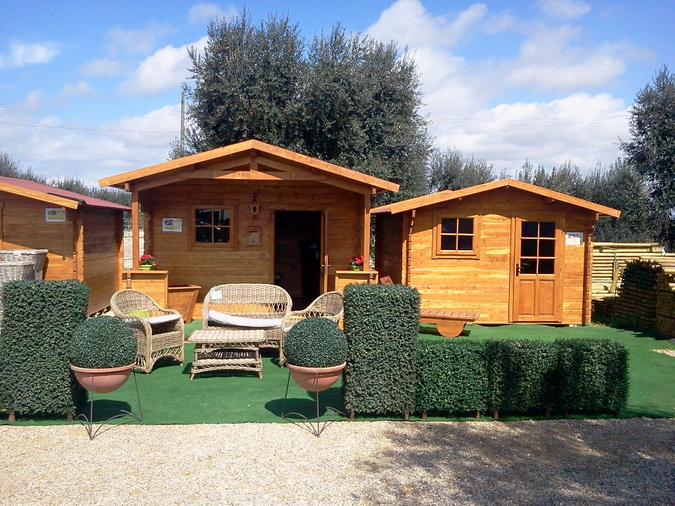 Prosiri casette giardino for Casette legno romania